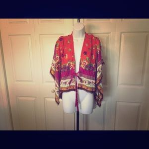 Betsy Johnson one size tie front kimono sleeve red